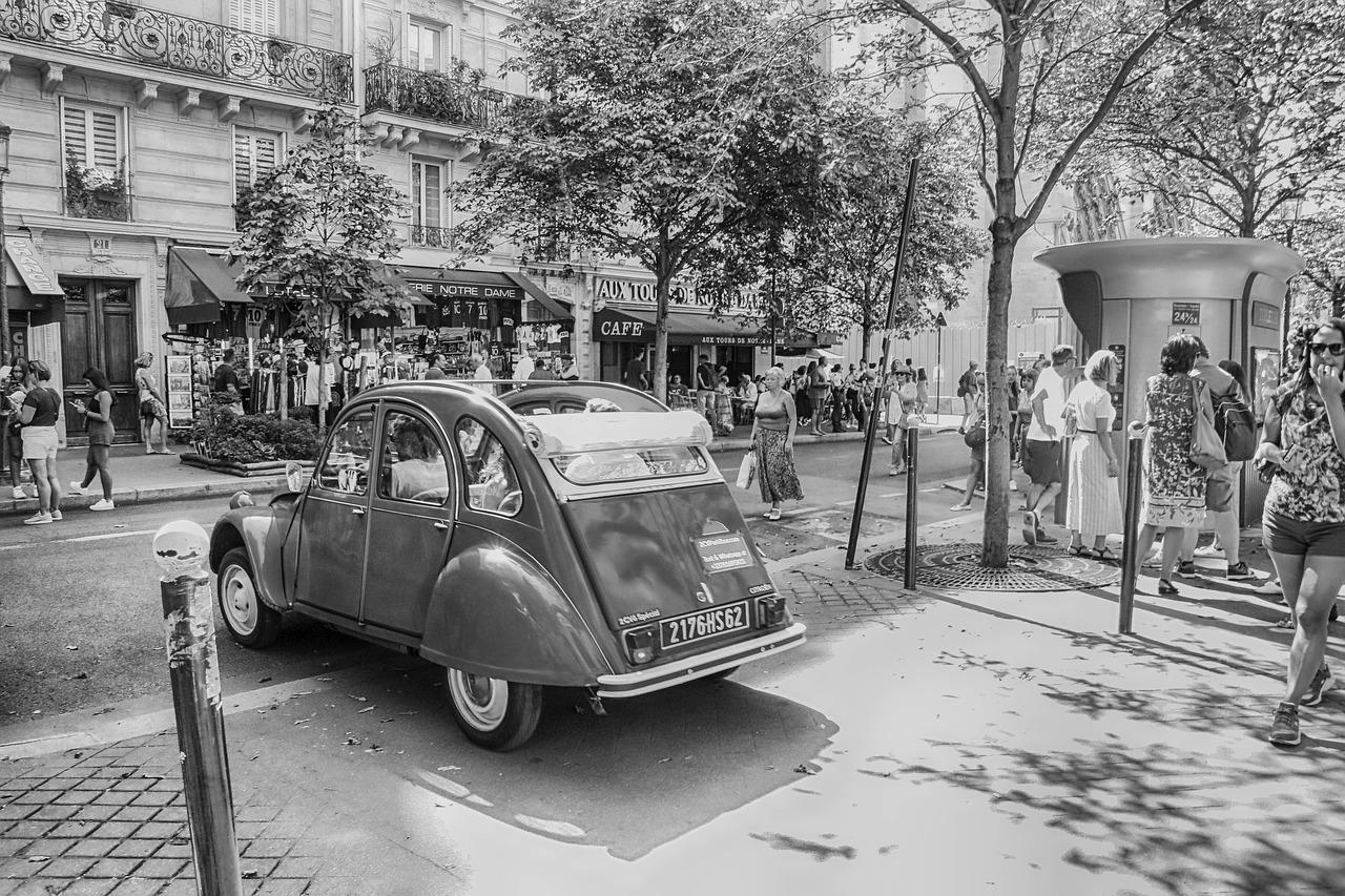 Paris_car