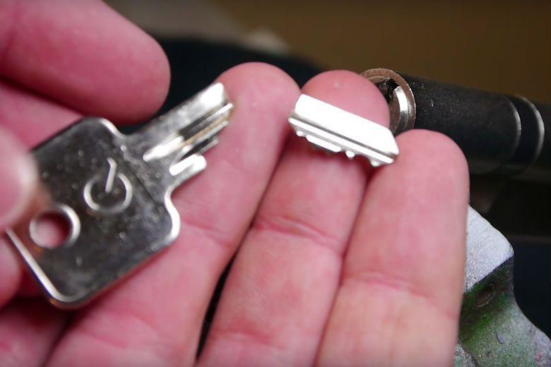 Clé coincée dans la serrure - Que faire et combien cela coûtera