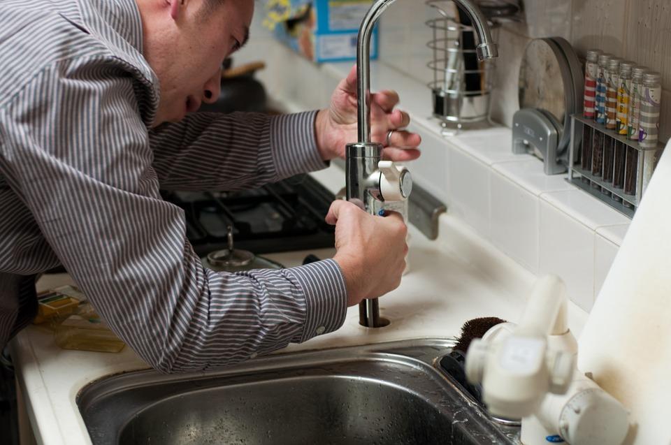 Problèmes de plomberie courants dans les vieilles maisons