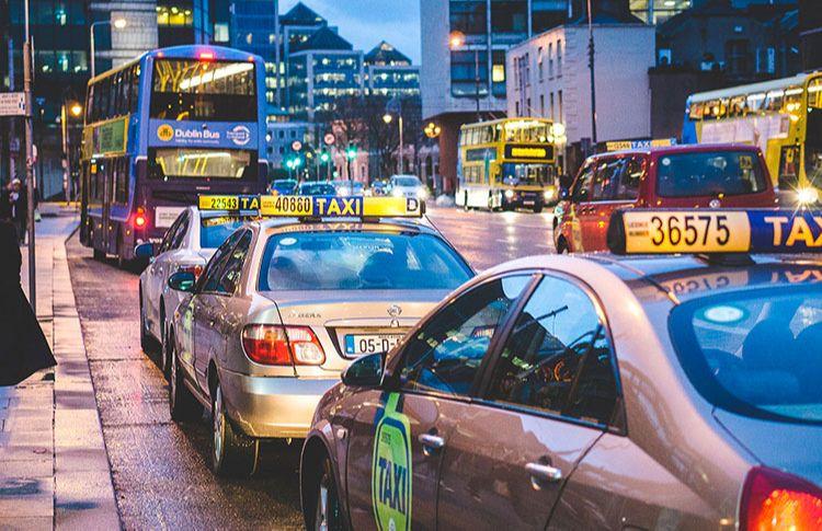 Pourquoi faire appel à un taxi pour les déplacements en ville?